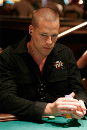 Patrik Antonius - Pulls Himself Out Of the Gutter